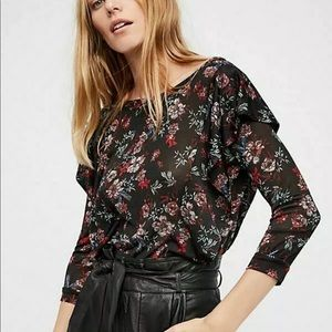 Free People floral ruffled dock street top. size S